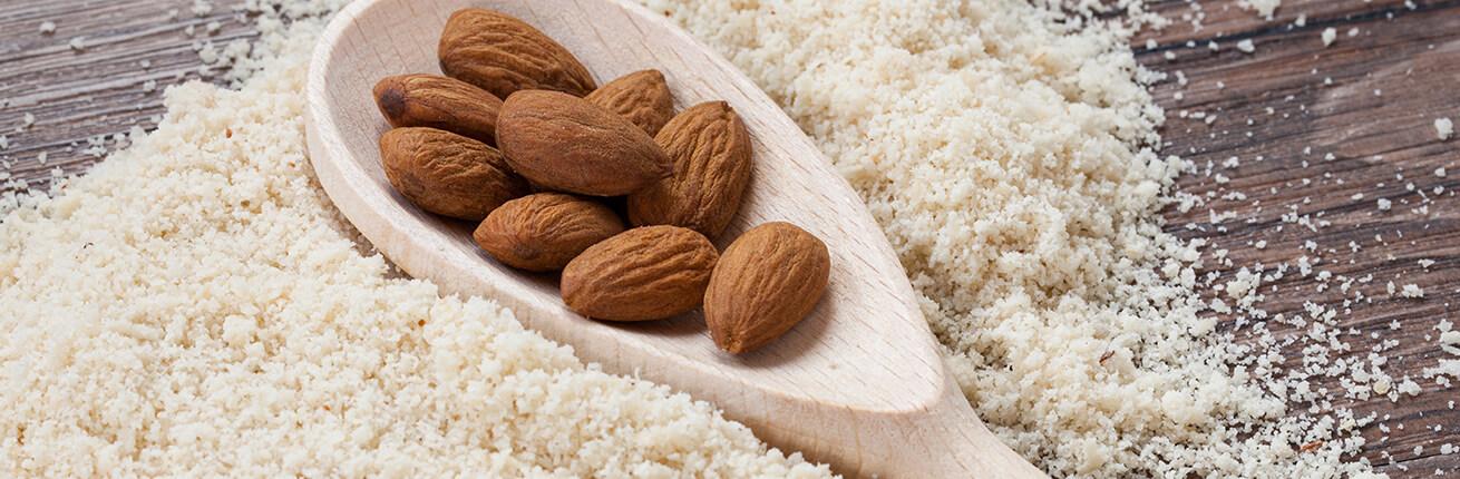 Mandelmehl kaufen. Bio Mandelmehl online kaufen. Low Carb Mehlersatz. Ideal für eine Kohlenhydrate reduzierte Ernährung, Diabetiker, uvm. Mandelmehl kaufen!