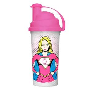 GymQueen Shaker Limited Edition SuperWoman. Hochwertig verarbeitetes, BPA freies Plastik und elegantes Design. Spülmaschinentauglich.